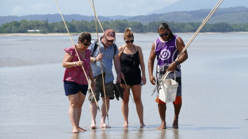 Day 2: Daintree Dreaming Day Tour - traditional hunting and gathering